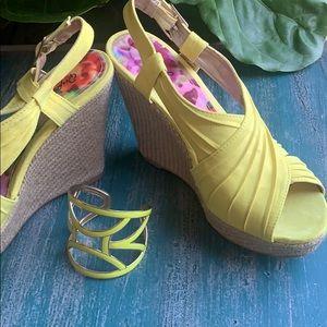 NIB Qupid Lena Yellow Suede Size 7